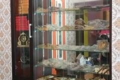 Interior-Lemari-Display-Ibu-Lies-Bronze-Tembaga-Bangunjiwo-Jogjakarta